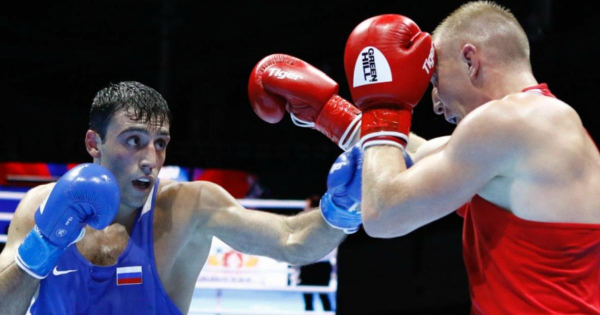 Фото У чемпиона России по боксу случился инцидент с росгаврдецем