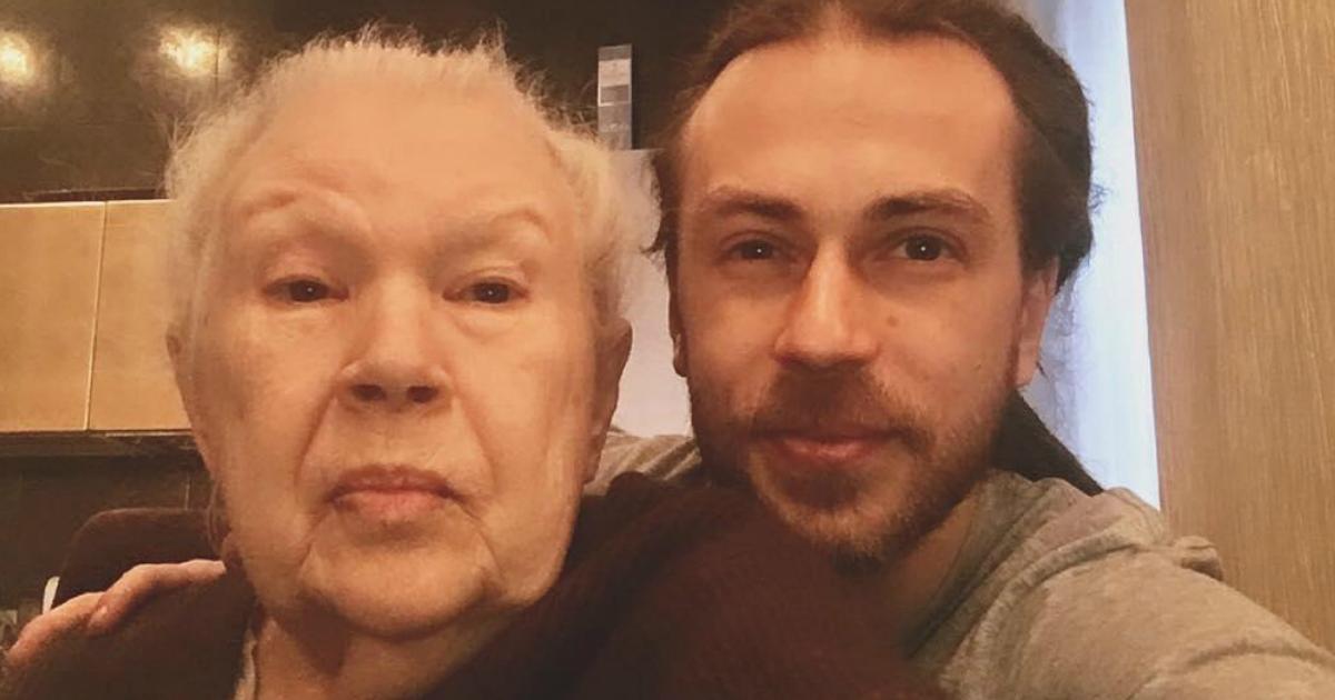 Фото Мать Децла скрыла от бабушки правду о любимом внуке