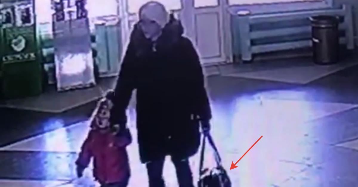Фото В роддоме Братска оставили новорожденную девочку в сумке