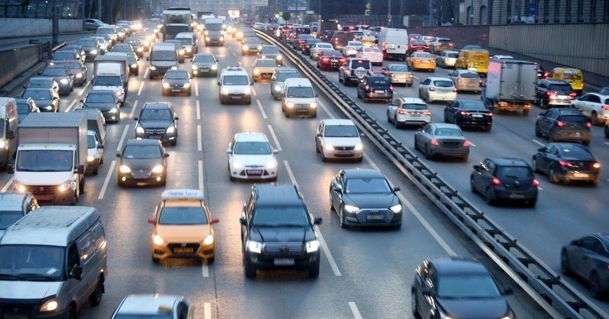 Фото Исход из Москвы: столицу на машинах покинули 850 тысяч человек