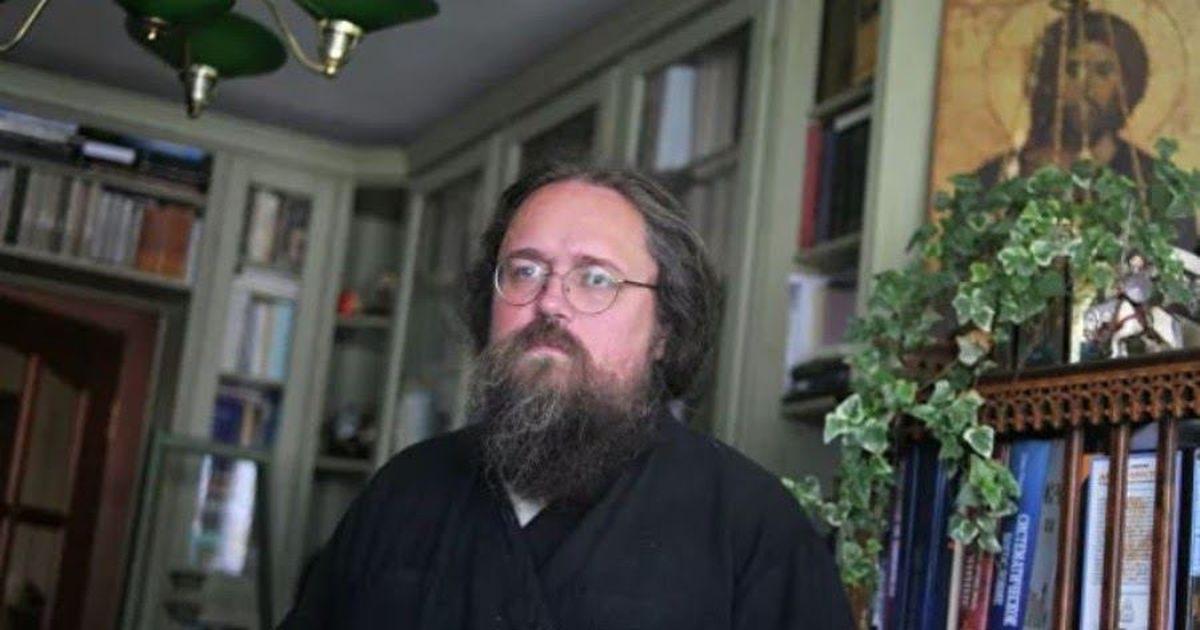 Фото Патриарх запретил в служении протодиакона Кураева