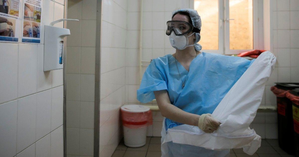 Фото Медсестра из охваченной COVID больницы в Питере попросила помощи у Путина
