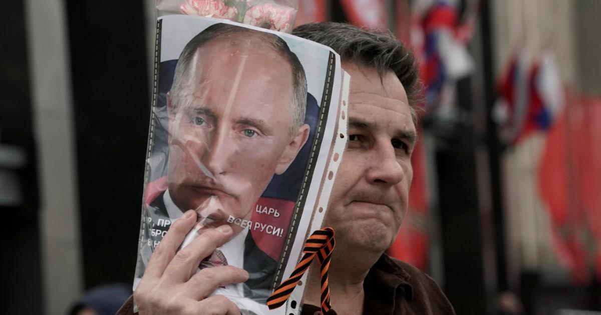 Фото «Очень приятно, царь». Почему Владимир Путин собрался на пятый срок