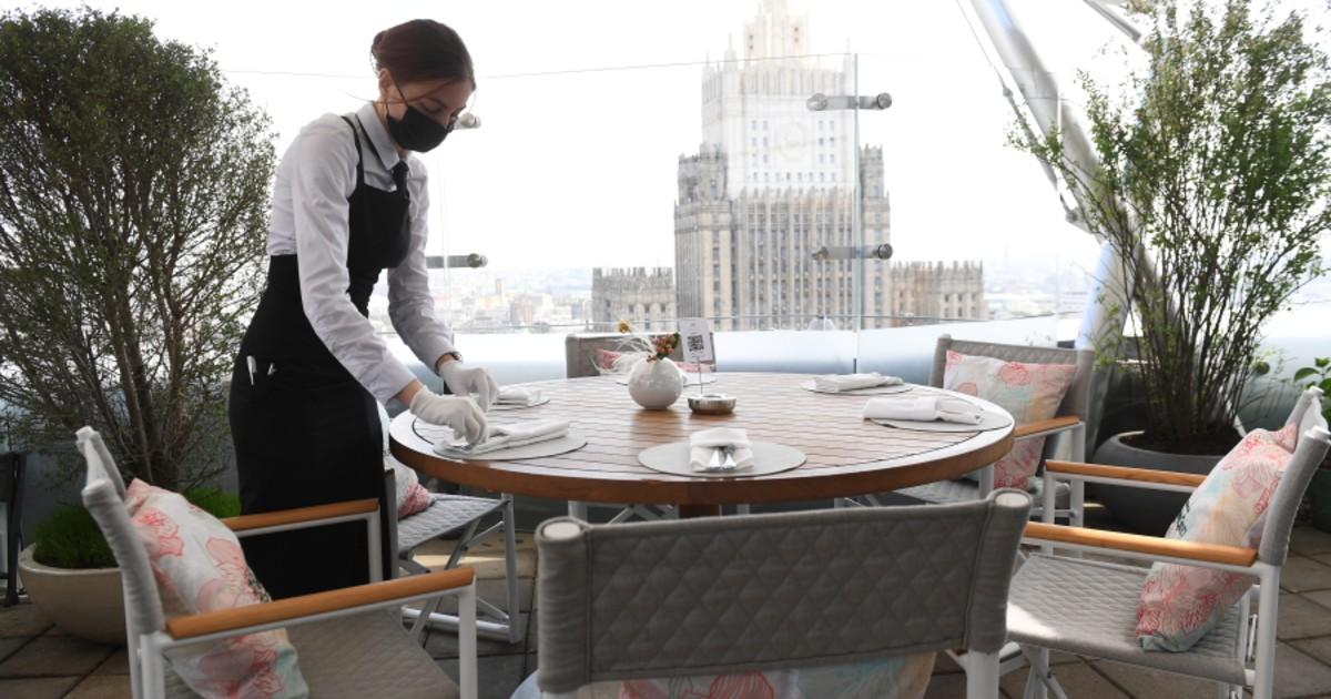 Фото Роспотребнадзор запретил чаевые? Что значат новые правила для кафе