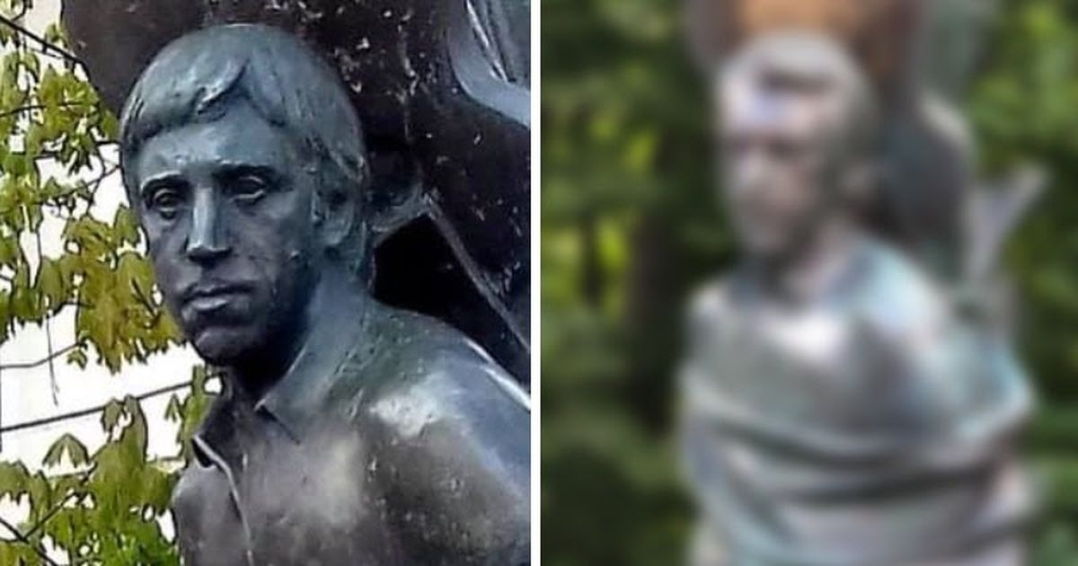 Фото «Позорище!» Памятнику на могиле Высоцкого поменяли голову