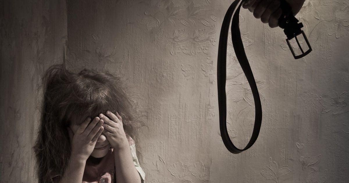 Фото Эстонскую мать года осудили за избиение детей