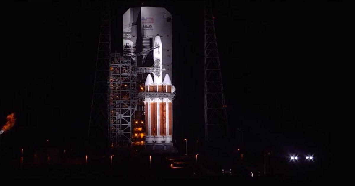 Фото Запуск американской ракеты со спутником-шпионом отменили в последние секунды
