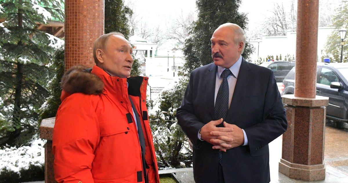 Фото Путин позвонил Лукашенко в его день рождения