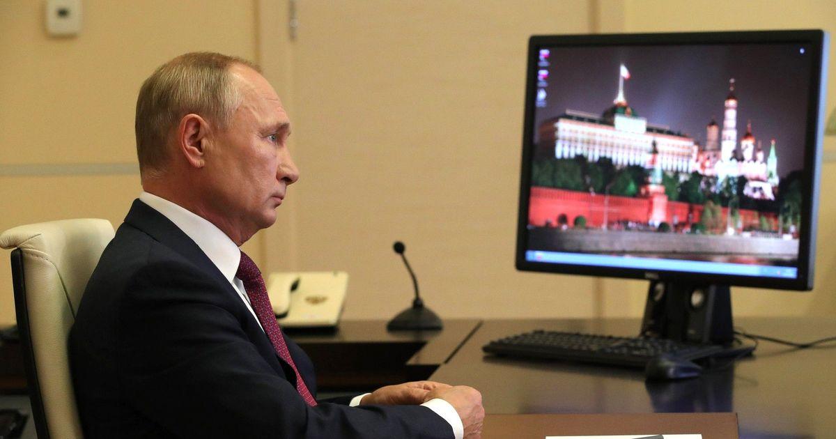 Фото Путин поздравил учащихся с Днем знаний и попросил соблюдать ограничения