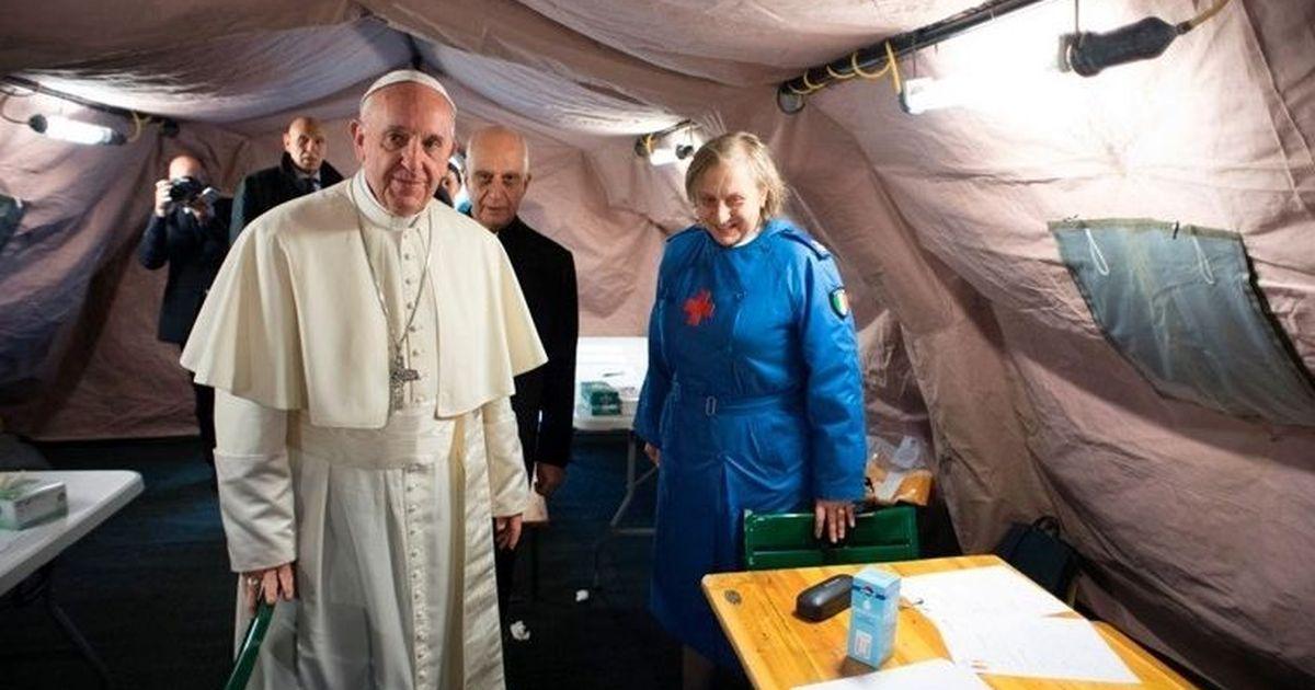 Фото Папа Римский призвал списать долги бедным странам