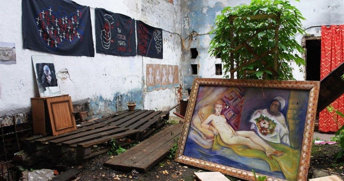Фото Вандалы разгромили выставку современного искусства в Томске