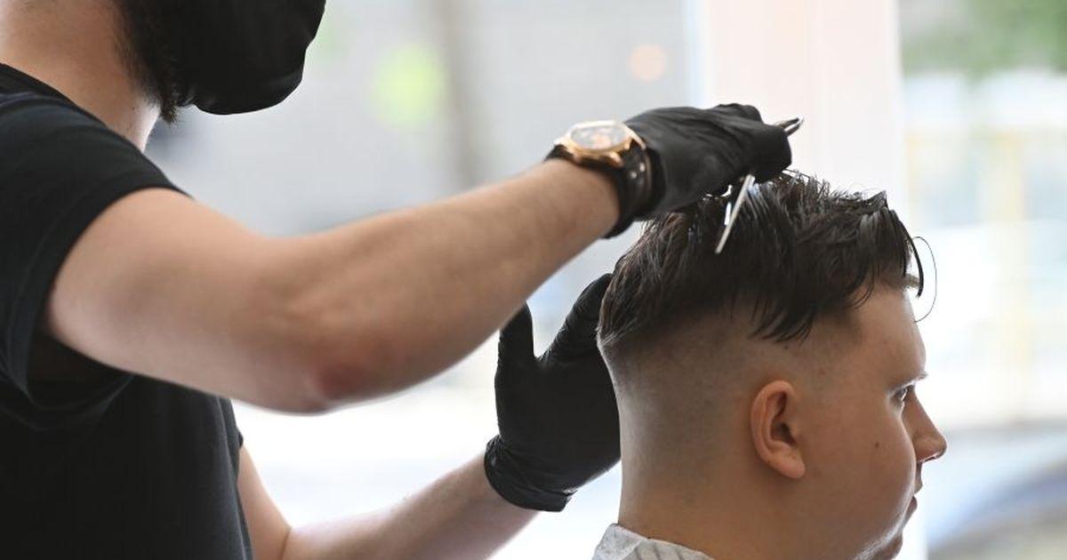 Фото Более 10% парикмахерских и салонов красоты России так и не открылись