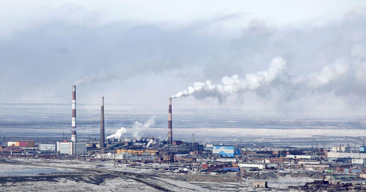 Фото В экологической катастрофе под Норильском обвинили бывшего мэра