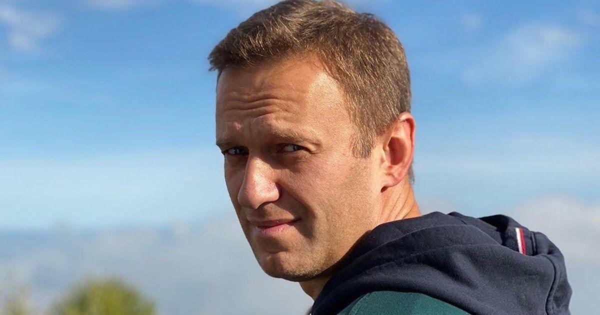 Фото Разработчик «Новичка» объяснил, почему Навальный выжил и поправляется
