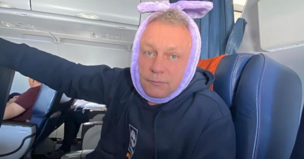 Фото Сергею Жигунову экстренно удалили зуб в самолете во время полета