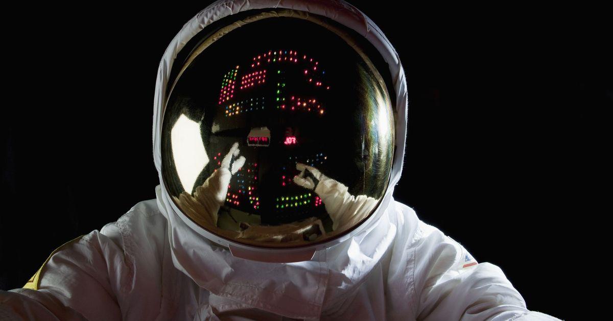 Фото Япония планирует построить на Луне топливный завод