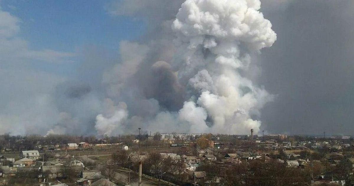 Фото Шесть человек пострадали в результате пожара на военном складе под Рязанью