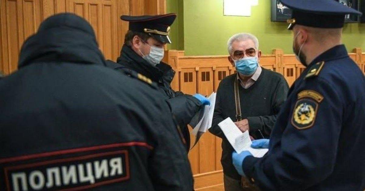 Фото В московских театрах прошли облавы на пенсионеров