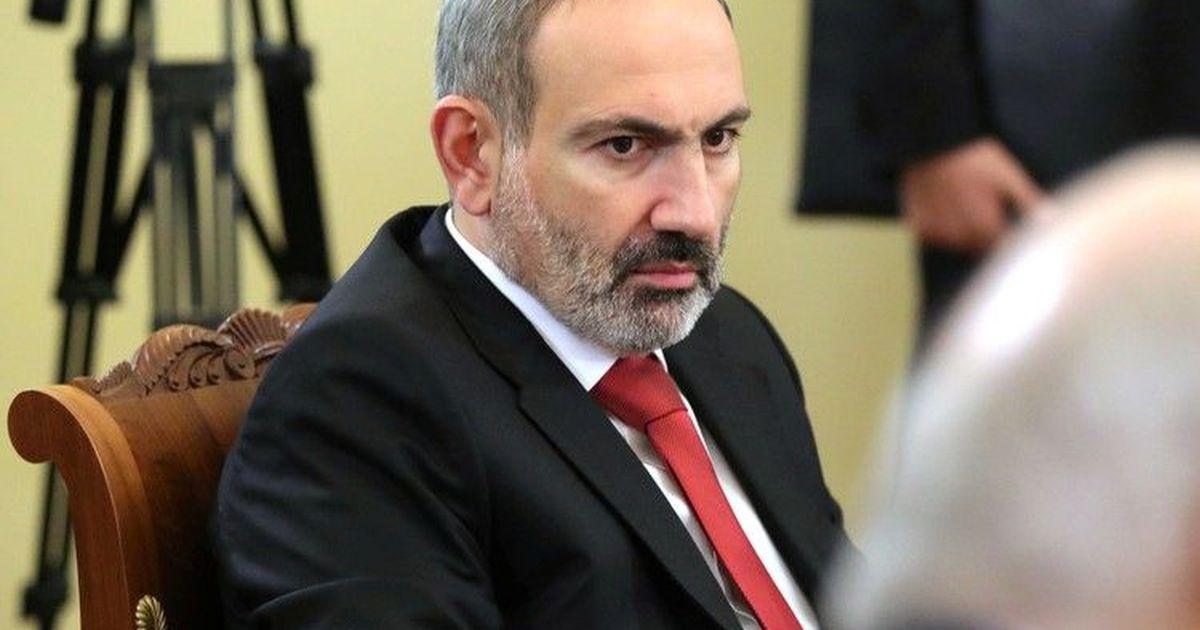 Фото Пашинян: Турция поглощает Азербайджан