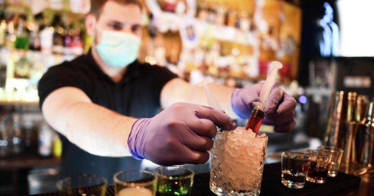 Фото Никаких больше вечеринок. Мэрия Москвы обсуждает закрытие клубов и баров