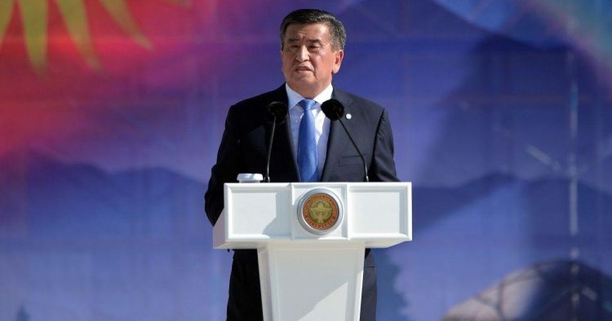Фото Президент Киргизии приказал ввести войска в Бишкек
