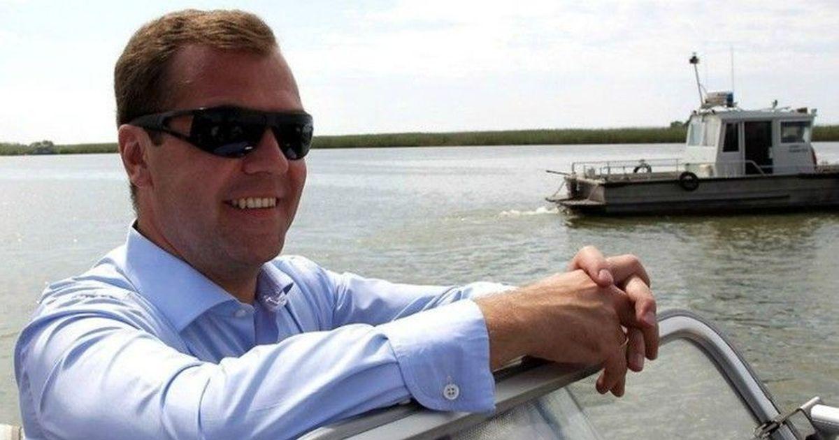 Фото Медведев предложил сделать выдаваемые по рецепту лекарства бесплатными