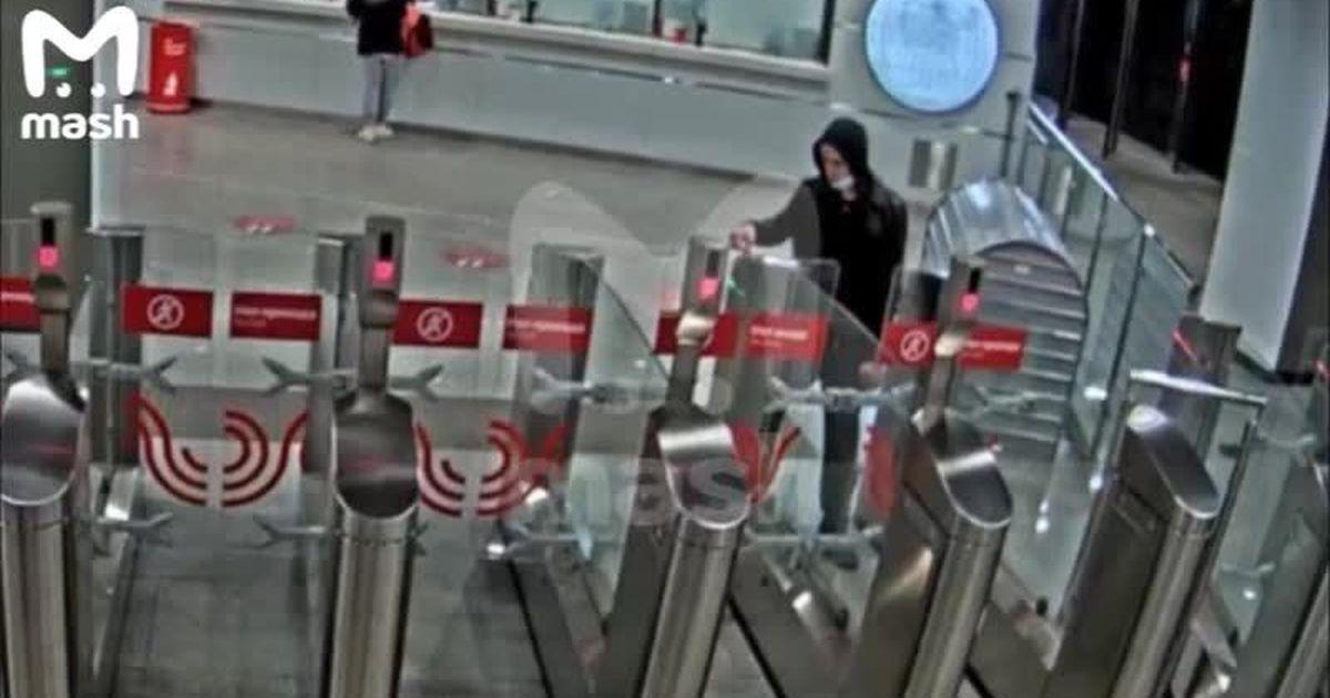 Фото Интеллектуальные камеры помогли найти в московском метро беглого подозреваемого в смертельном ДТП