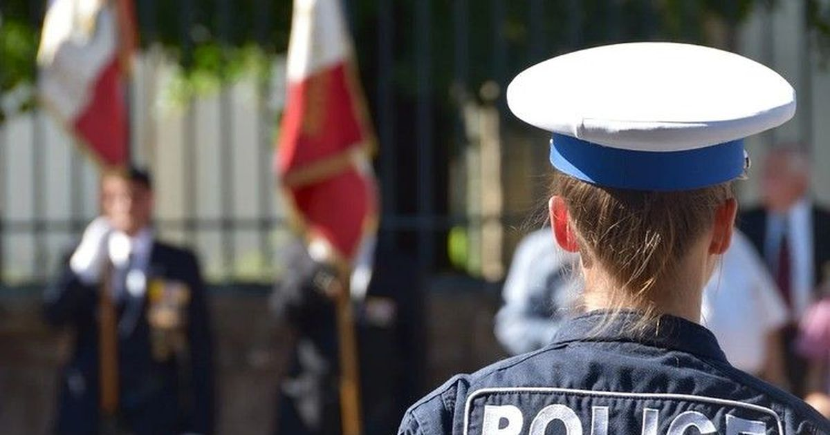 Фото Во Франции прошли манифестации против мракобесия
