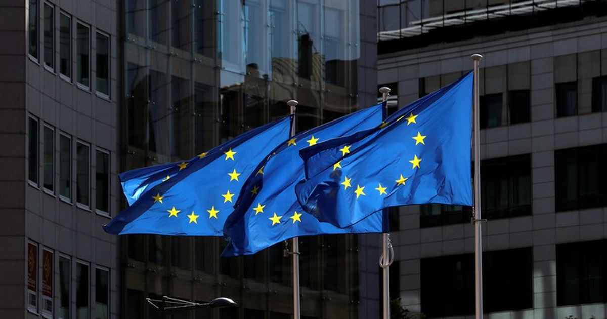 Фото ЕС и Великобритания ввели санкции против двух россиян и