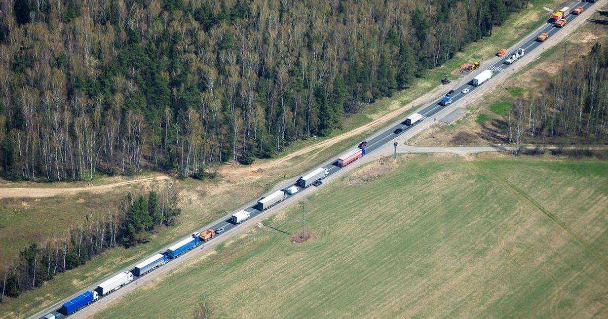 Фото Водители фур из РФ устроили забастовку на границе с КНР и требуют тестов на COVID