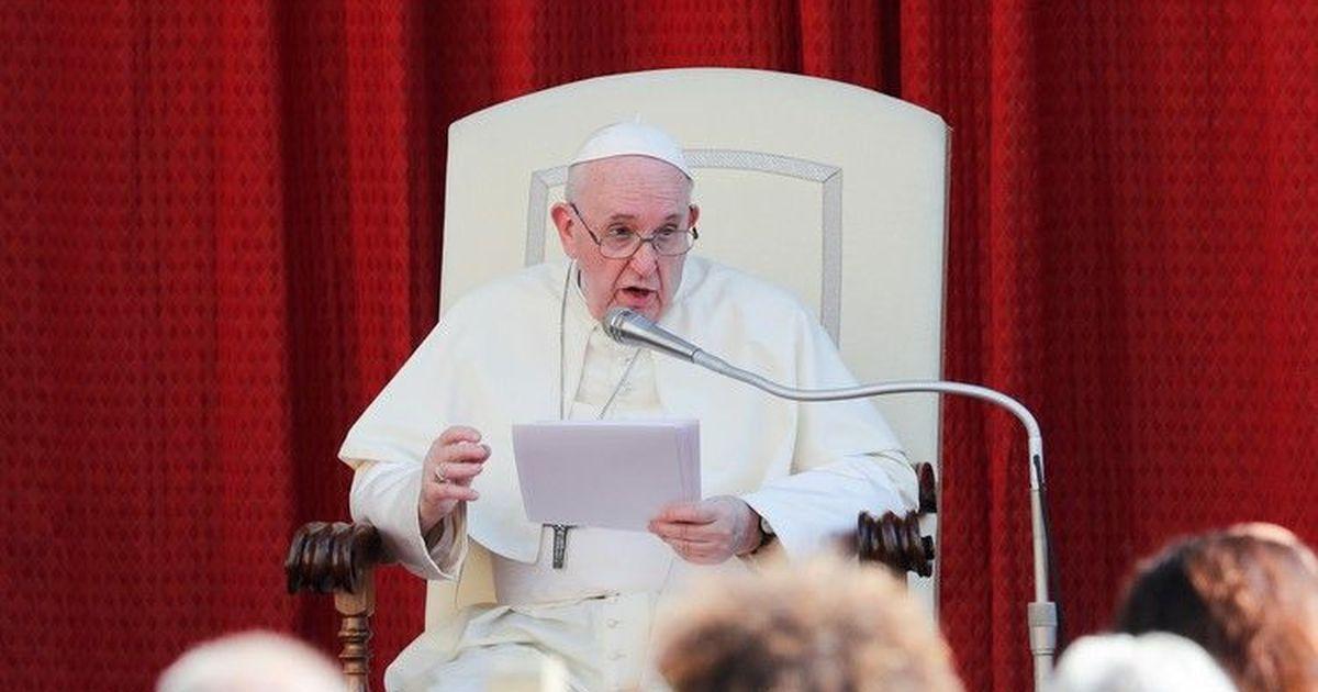 Фото СМИ: слова Папы римского об однополых отношениях намеренно искажены