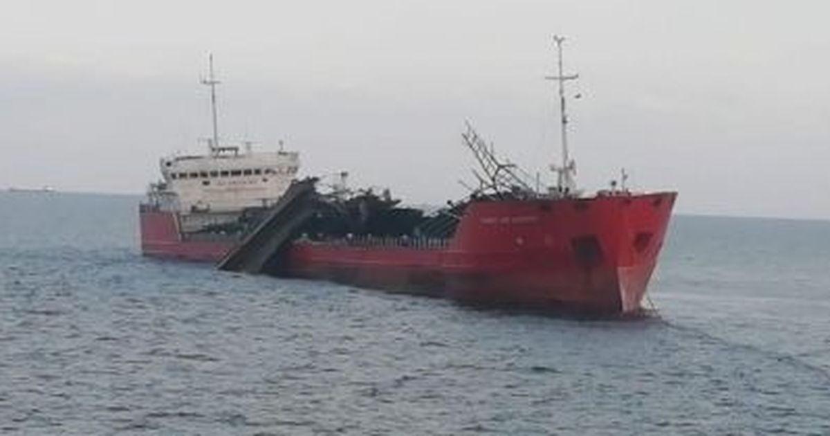 Фото Появилось видео с места взрыва российского танкера в Азовском море