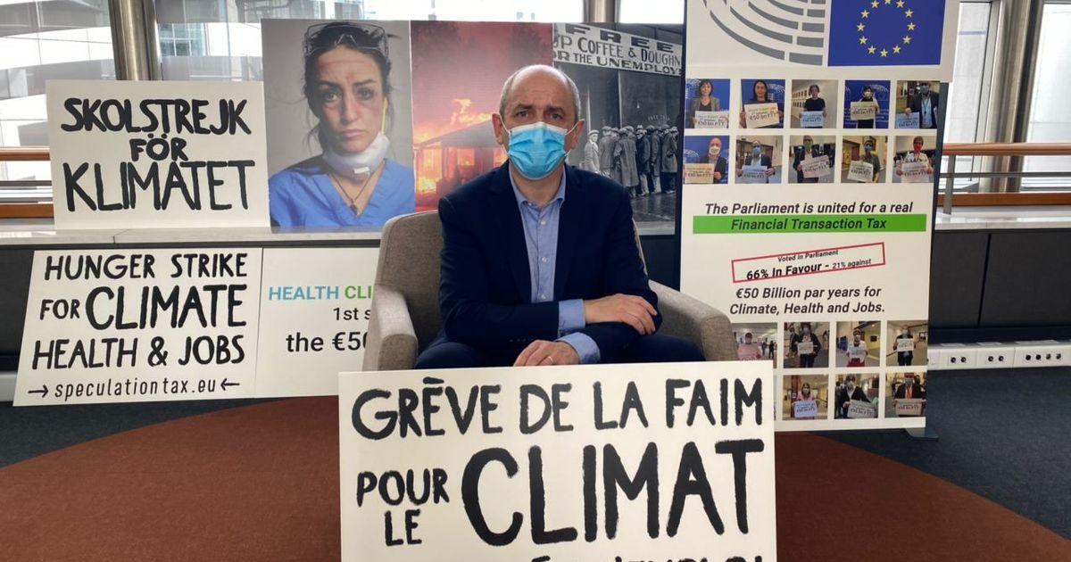 Фото Депутат Европарламента объявил голодовку
