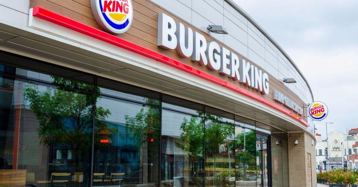 Фото Подростки устроили массовую драку в Burger King