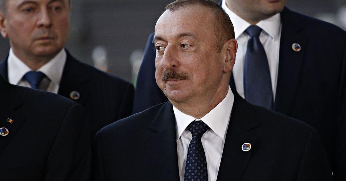 Фото Алиев прокоммениторвал запрос Пашиняна о военной помощи у РФ в Карабахе